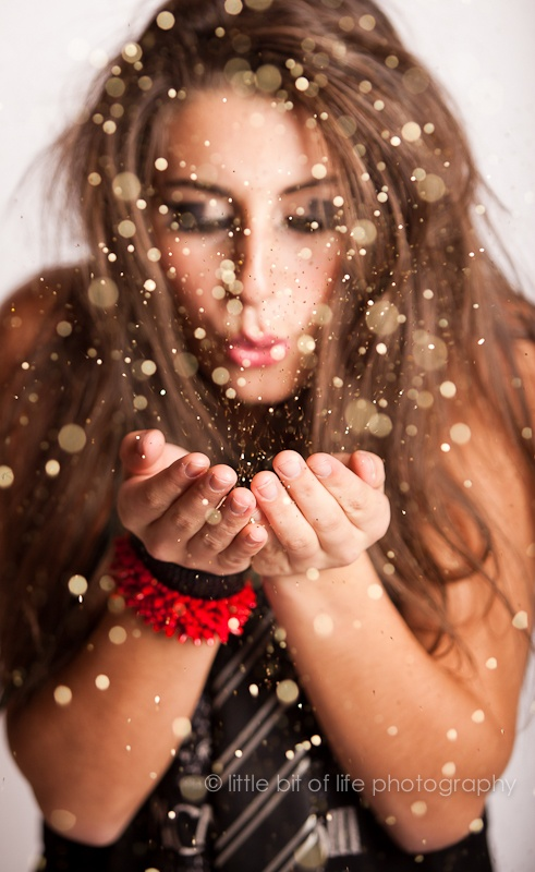 Senior Portraits Forum- A Little Bit of Life Photography - Awesome glitter shot in the studio! I love it!