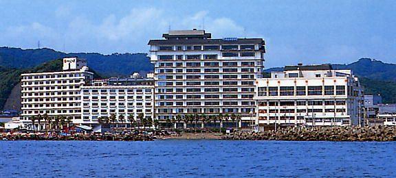 勝浦 ホテル 三日月