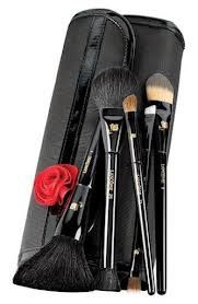Lancome L'Artist Brushes The Essential Brush Set Holiday 2012 Collection by Lancome. $109.95. Lancome L'Artist Brushes The Essential Brush Set. $183.00 Value. Luxurious  2012 Brush Set Collection. Master the art of makeup with Lancôme's five most luxurious brushes, essential for travel. Each brush is precision-crafted with the highest quality bristles for flawless application and professional artistry. With limited-edition lacquered black handles just for the ho...