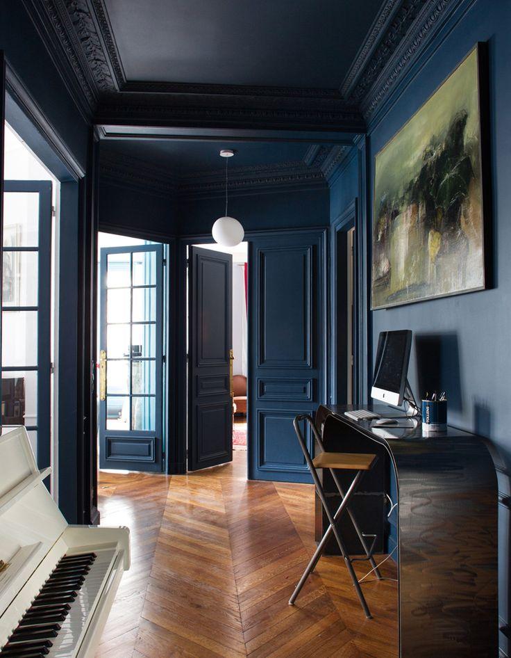 Les 25 meilleures id es de la cat gorie chambres bleu marine sur pinterest chambre principale for Decoration salon bleu marine