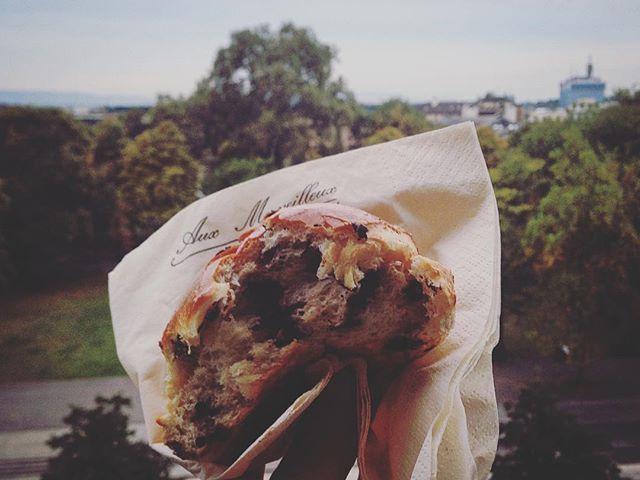 esplorazioni urbane n.3, dimanche  #foodporn #myfirstfoodporningeneva #painauchocolat #auxmerveilleux #igersgenève #igersgeneva #instafood #instamoment  Yummery - best recipes. Follow Us! #foodporn
