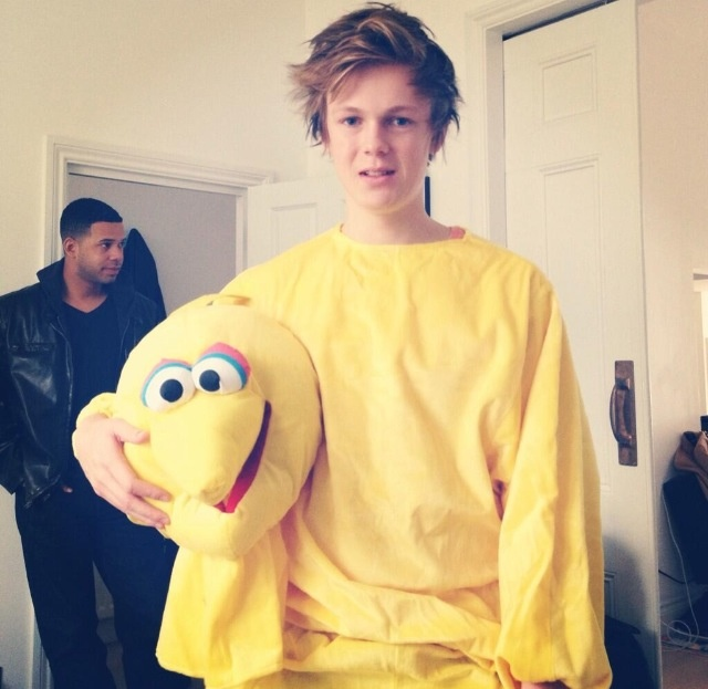 Caspar lee is a bird??