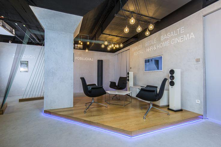 Salon w showroomie