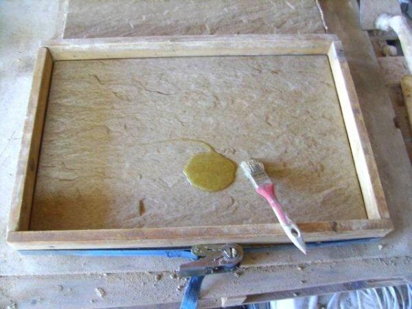 dallage de piscine en pierre calcaire ocre reconstu e par. Black Bedroom Furniture Sets. Home Design Ideas