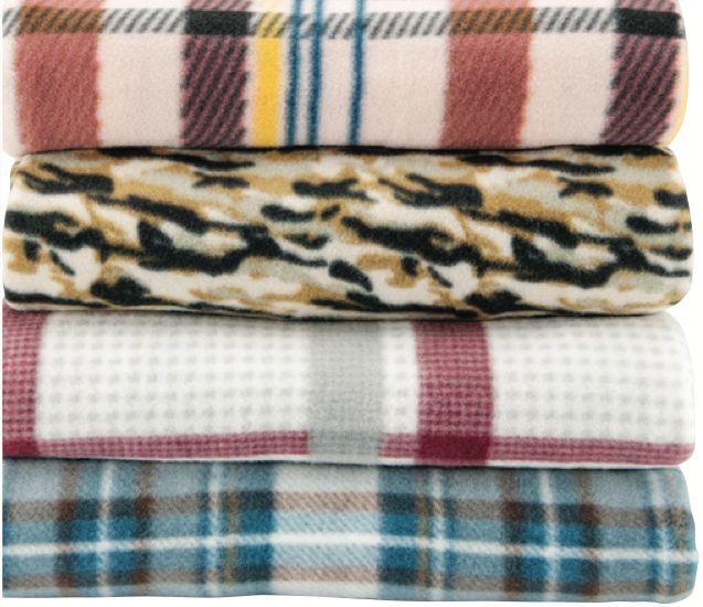 Warm and snuggly and big enough to share!  Full/Queen Fleece Blankets /  Couvertures en molleton pour lit deux palaces : Chaudes, douillettes et assez grandes pour partager!  #GTHomeSweetHome  #TGchezsoi