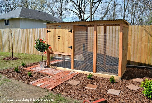 Easy to Build Chicken Coops | our vintage home love. This one is the perfect size for our yard.