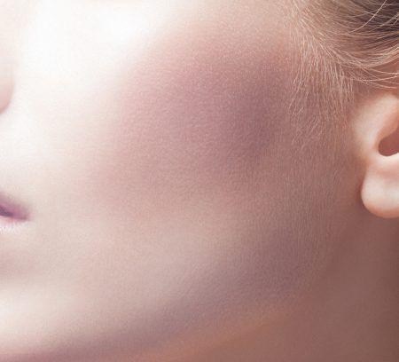 Le secret d'une jolie peau ? De l'entretien ! Découvrez notre rituel de soin pour avoir une peau radieuse au quotidien.
