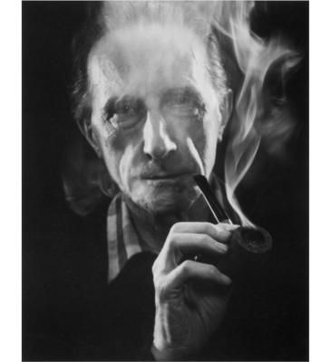 Duchamp smoking