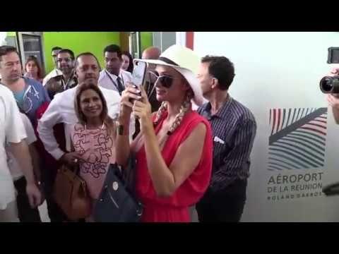 REPORTAGE: Découvrez la vidéo de l'arrivée de Paris Hilton à La Réunion – Radio Free Dom