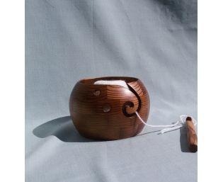Клубочница, деревянная ваза для вязания.