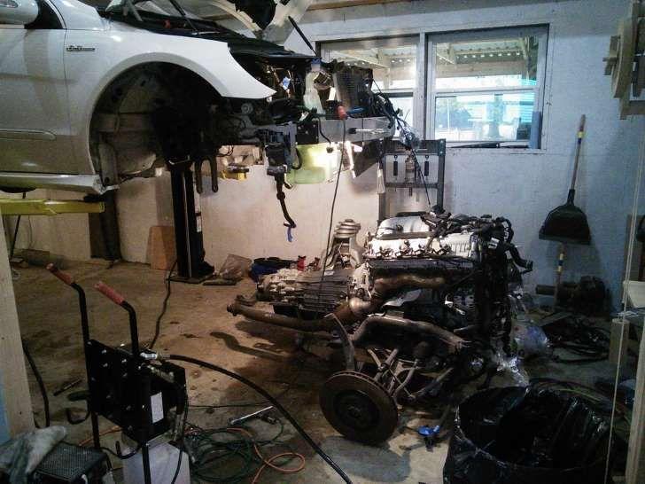 Mercedes R63 AMG Owner Completes DIY Engine Rebuild Dealer Said Would Cost $57,000