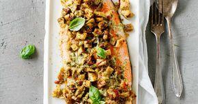 Pesto-uunilohi on helppo tapa valmistaa herkullista uunikalaa! Muutaman aineksen uunilohi syntyy kätevästi vaikka arki-iltana. Tätä kannattaa kokeilla!