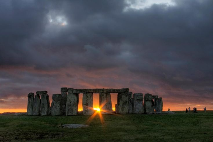 Our UK expert's guide to visiting Stonehenge, including information on parking, buses, tickets, prices, tours, the best time of year to go and nearby hotels and restaurants