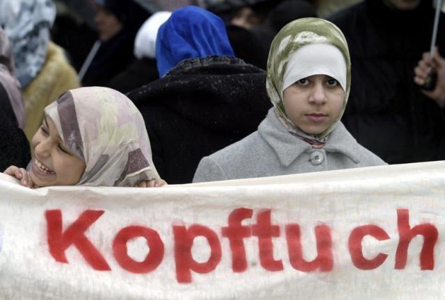 """Kopftuch-Eklat an der Würzburger Uni: """"So wurde ich noch nie belästigt"""""""