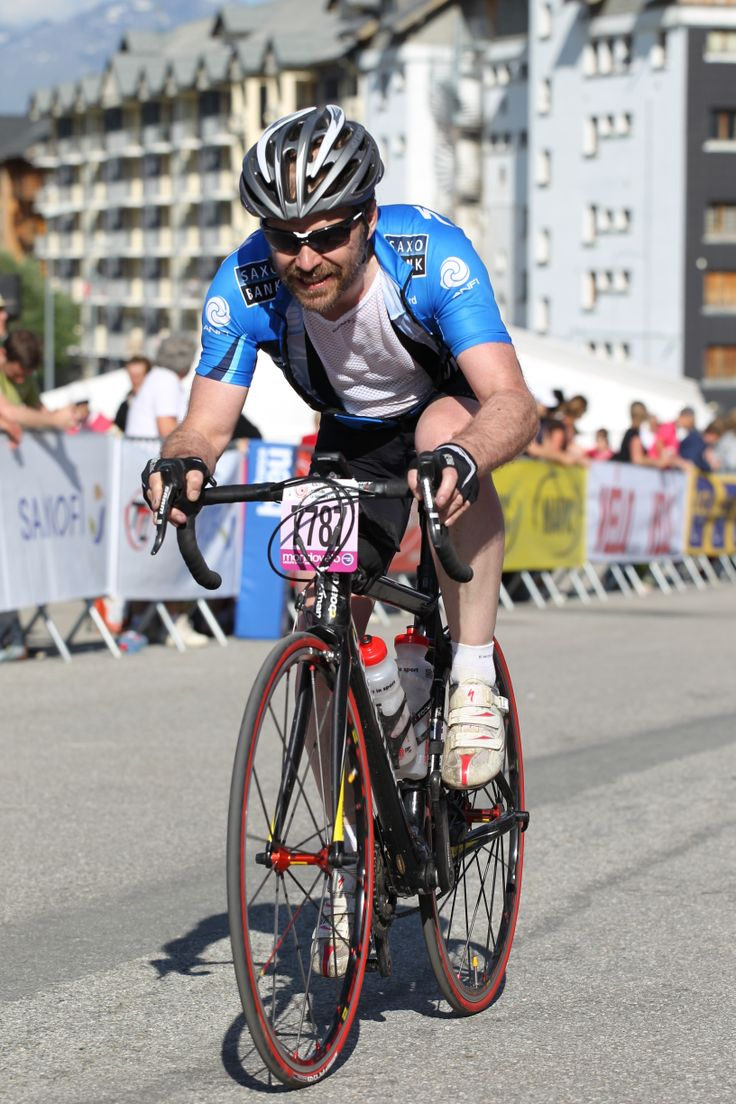 Dr. Andy Downs is cycling the Prudential RideLondon-Surrey 100 to raise money for #BlindVeteransUK. Listen to his interview with #BBCRadioTee here; http://ow.ly/vEgQc.  #Cycling #RideLondon
