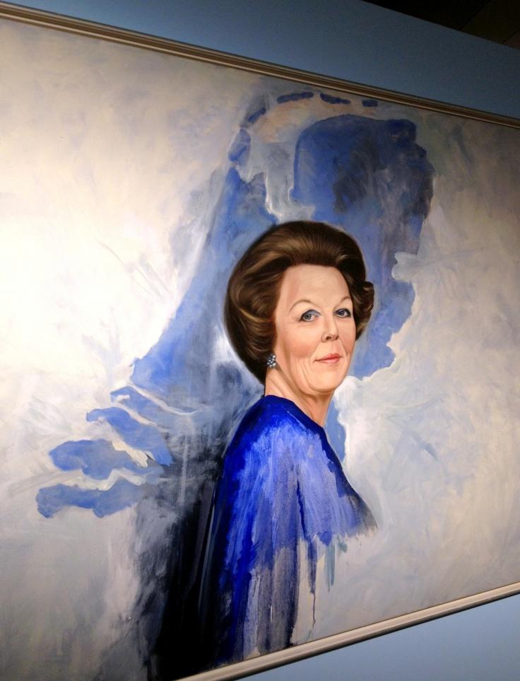 In Paleis Het Loo de tentoonstelling 'Beeld van Beatrix' gezien, met 75 portretten van de koningin, gemaakt door kunstenaars uit het hele land.
