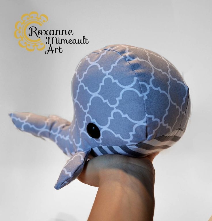 Whale soft toy fashion de la boutique RoxanneMimeaultArt sur Etsy