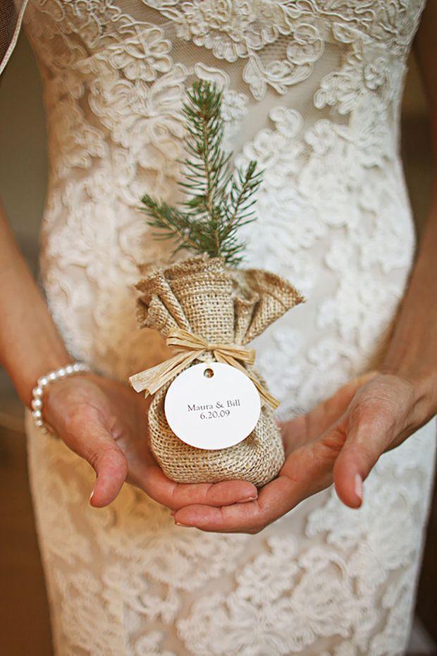 6 Fabulously Festive Winter Wedding Favour Ideas - Hochzeitsgeschenk