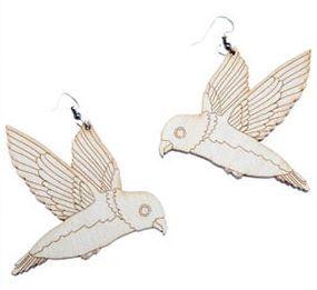 Flying bird -korvikset by Poola Kataryna  http://katoko.mycashflow.fi/product/1789/flying-bird--korvikset
