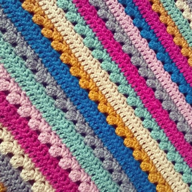 Discovered the random stripe generator a few days ago then this happened!! #cosystripe #crochetblanket #crochetgirlgang #crochetersofinstagram by artisanalleyuk