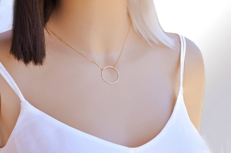 Simple Circle Necklace, Delicate Circle Necklace, Gold Filled Circle Necklace, Dainty circle necklace, Karma necklace, Minimalist necklace  *** Beautiful gold filled hammered circle necklace. This high quality gold filled circle has been hand hammered and is 1 wide. Simple Karma Eternity Necklace, Gift for mom, sister, girlfriend, best friend. Bridesmaids necklace, Circle Necklace. A Delicate Gold Necklace with an elegant, graceful style perfect for everyday necklace.  This dainty necklace…