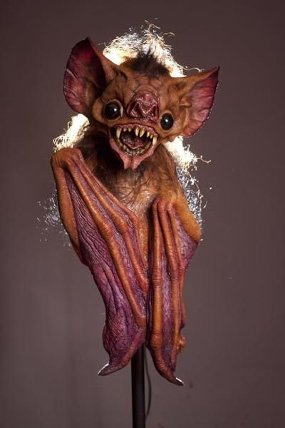 *** FEATURED *** VAMPIRE BAT PUPPET Collector Halloween Decoration NEW – www.TheHorrorDome.com