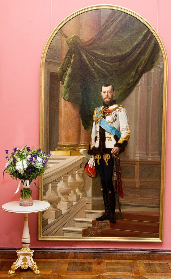 a biography of nicholas romanov the last tsar of russia The last tsar: the life and death of nicholas ii paperback – june 15 ie the history of russia during nicholas ii's tsar nicholas ii wasn't the last.