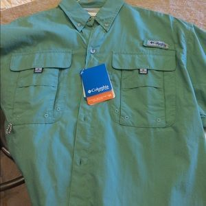 I just added this to my closet on Poshmark: Men's Columbia PFG Shirt. Price: $25 Size: S