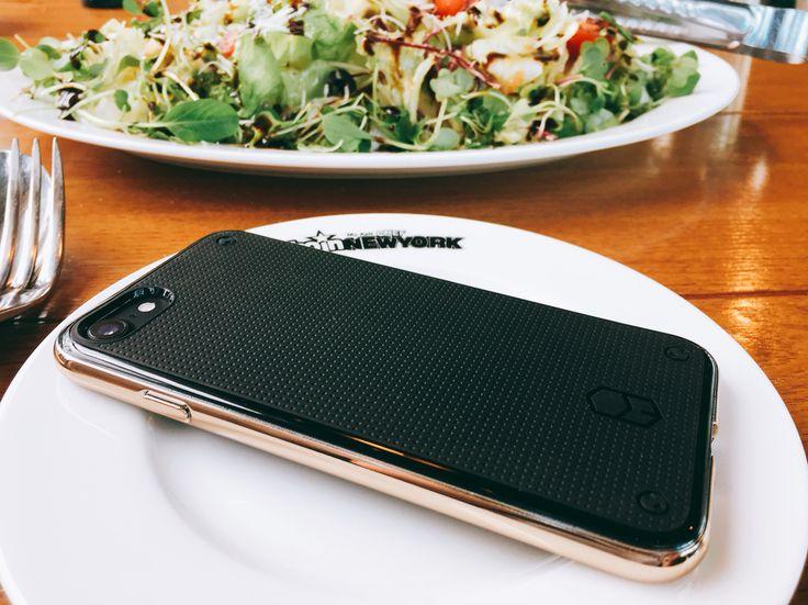 다들 #맛점 하세요!  #아이폰7플러스 #아이폰7 #레벨케이스 와 함께❤️ #케이스는패치웍스 #아이폰7케이스 #아이폰7플러스케이스 #패치웍스 #점심 #샐러드 #데일리 #일상 #이게바로 #돼지의길 👋👋👋 네이버에 패치웍스 검색!