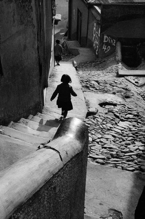 Valparaiso Chile 1963  Photo: Sergio Larrain