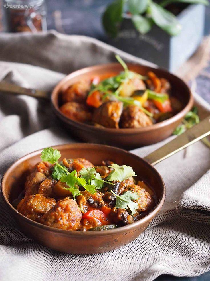 Klopsiki hiszpańskie na potrawce z cukinią / Spanish meatballs with zucchini stew