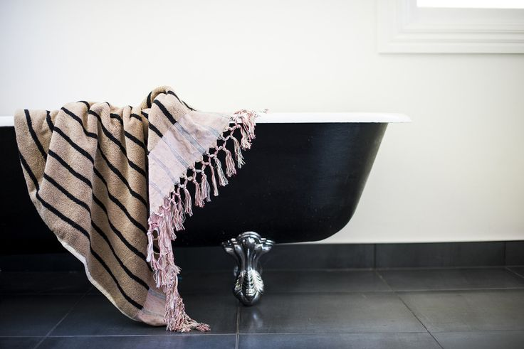 Durable | soft, turkish hand woven bath towel for the extremist. Barbados Bath Sheet Red Taupe - Ottoloom