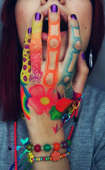 *intriguing ~ Not just nails - Love the body art