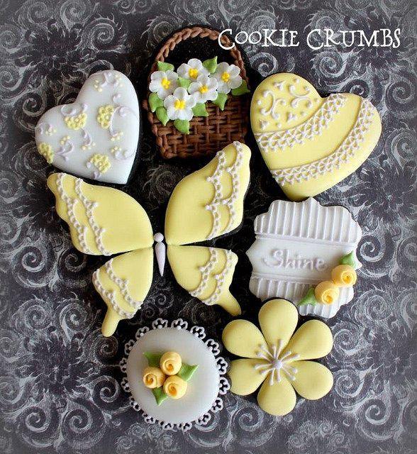 Yellow Spring Cookies by Cookie Crumbs