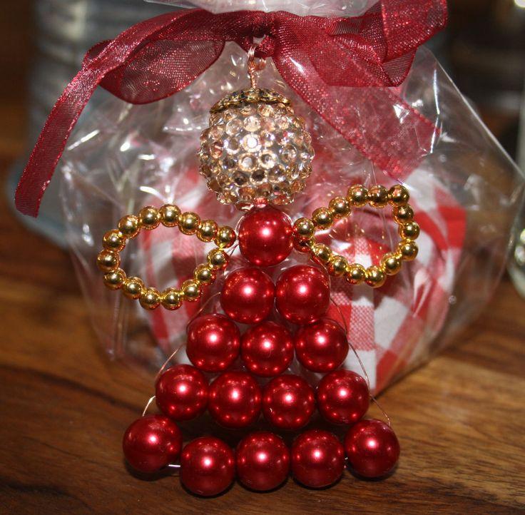 Geschenkspackerlanhänger selbst basteln. Schöner als das Geschenk selbst. :-)