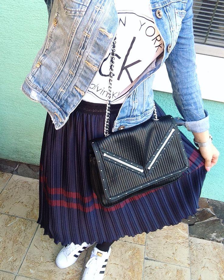 #zara #zaralover #zarashoes #zarawoman #fashion #fashionlover #fashionwoman #style #stylewoman #stylelover #zara #zaralover #zaraskirt #skirtlover #zarawoman #zarabag #ck #calvinklein #adidas #adidassuperstar @zara