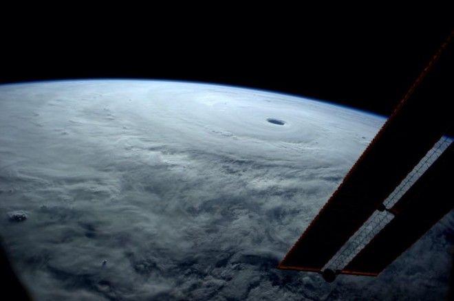 「今年最強の台風」を国際宇宙ステーションから撮影 « WIRED.jp