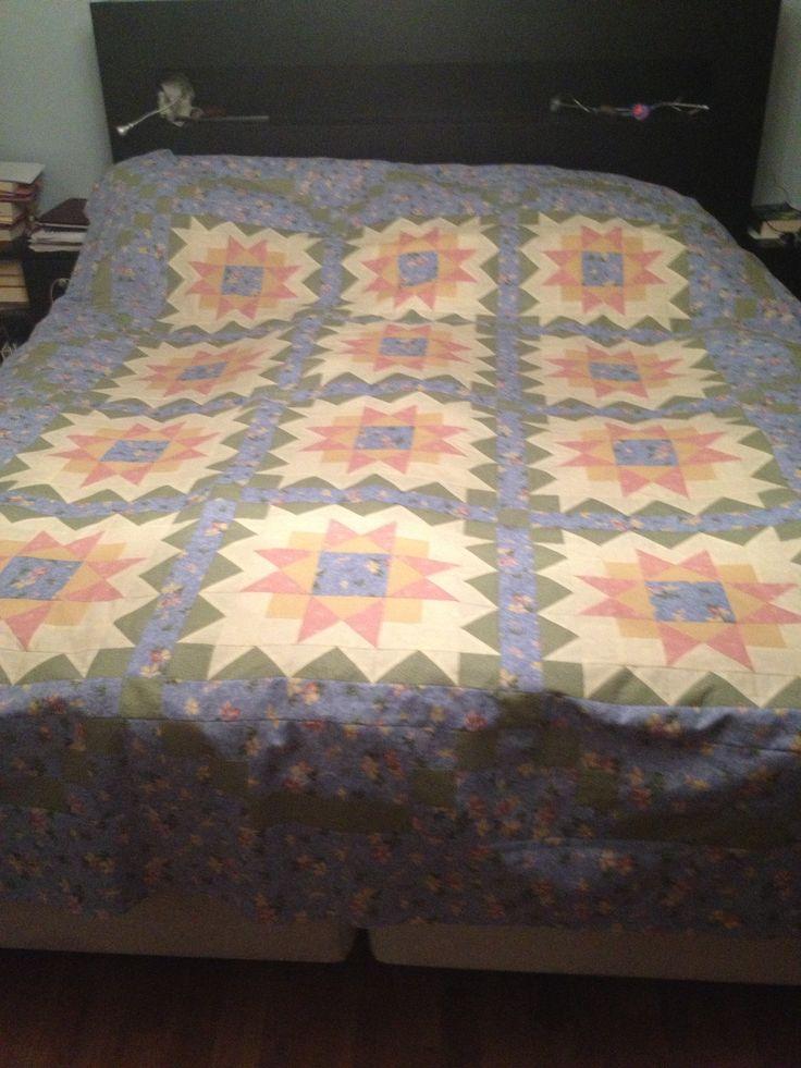 Huge bedspread, Thimbleberries design and fabrics.