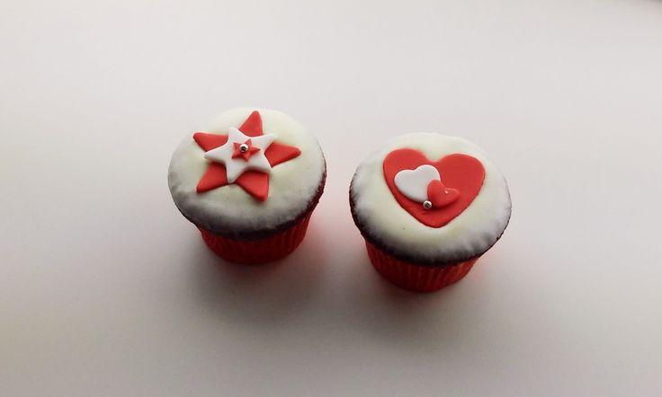 Red velvet cupcakes met roomkaasglazuur