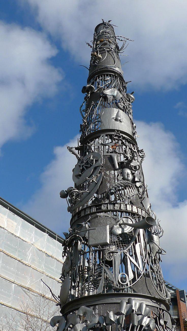 Newcastle quayside - the blacksmiths needle