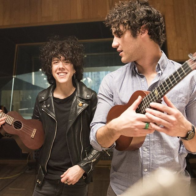 Get out your guitar + jam with @iamlpofficial & @darrencriss for #NationalGetOutYourGuitarDay! #ActLikeAMusician #music #guitar http://aol.it/1PgzTxP