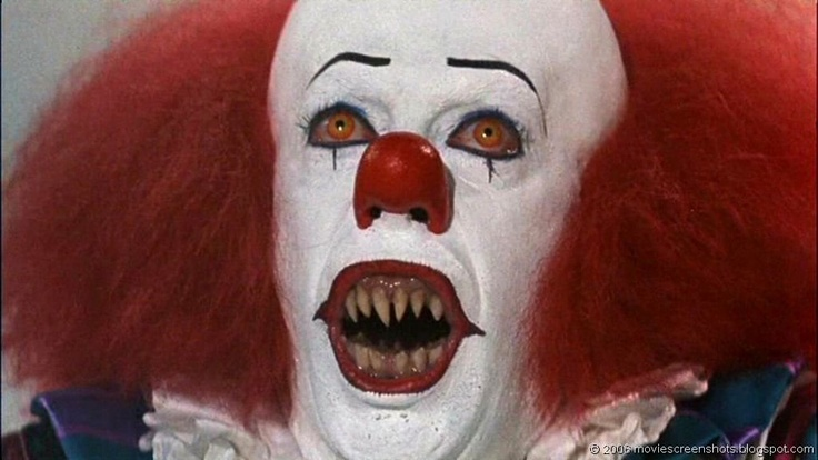 Stephen Kings' It (1990)  Tim Curry as Pennywise The Dancing Clown    :{ i hate clowns !