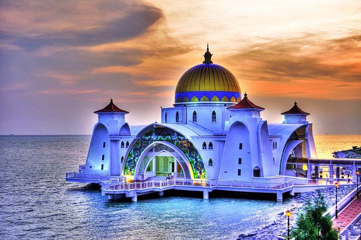 Gambar Foto Masjid Masjid Terkenal Dan Terindah Di Dunia Masjid Malacca Straits Di Malacca