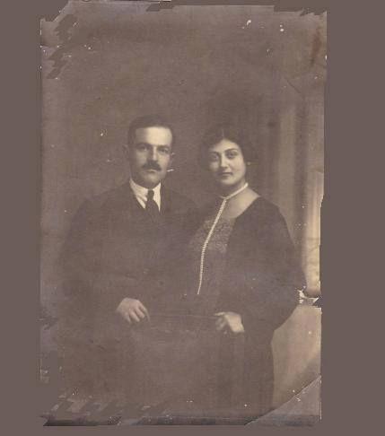Άργος 1928. Ο Βασίλης Μητσόπουλος και η Ελένη Μητσοπουλου (το γένος Γιαννούση). Από το αρχείο του Δημήτρη Μητσόπουλου.