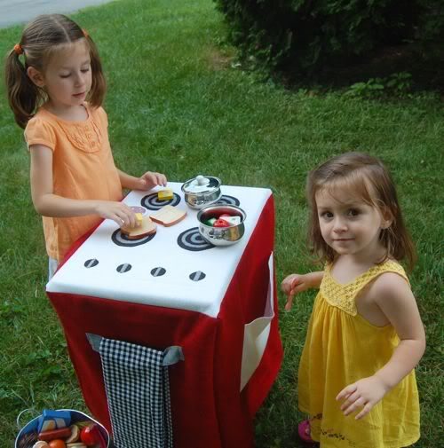 What to do with Kids | DIY: Travel Play Kitchen Set | Inner Child Fun