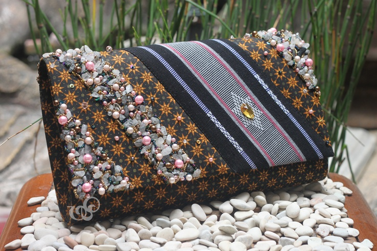 A classic look of truntum batik and NTB tenun, embellished with stones and beads.    #clutchbag #clutch #batikbag #indonesia #ethnicbag #traditional #batik -made for mrs. Anggie-