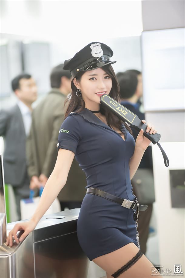 putting-hot-asian-girl-arrested-on-cops-and-richmond-erotic