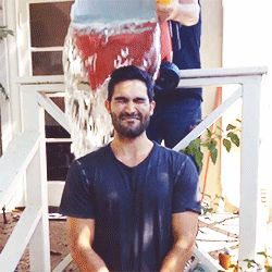 Tyler Hoechlin doing the Ice Bucket Challenge