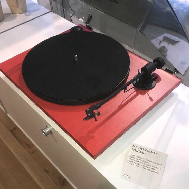 The Pro-Ject Audio Systems Primary has been chosen by distinguished artist Lauren Laverne to go on display as a series of iconic works at Tate Modern !  The Primary combines the strong points of two other award-winning turntables from the Pro-Ject range; the Elemental and the Essential II.   For more information visit : https://www.henleyaudio.co.uk/products/Primary