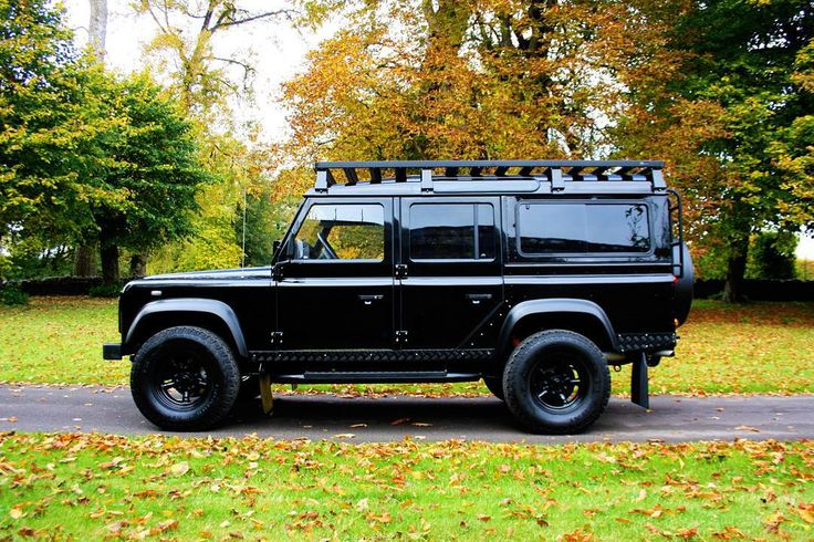 Land Rover Defender 110 Td4 Sw Se customized - Take a moment to appreciate this beautiful machine.